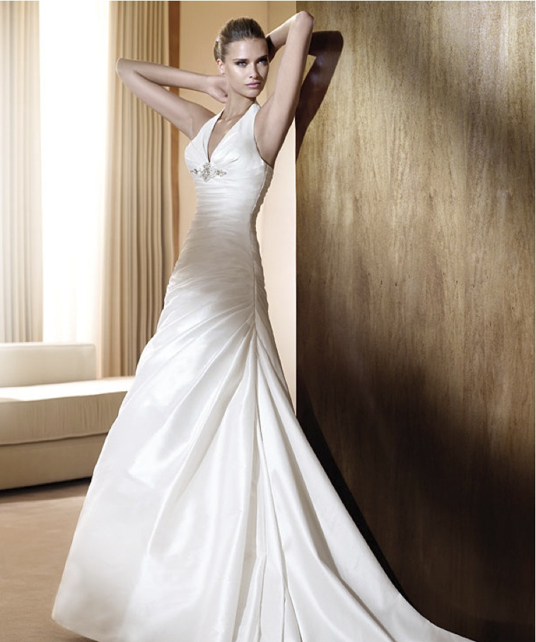 What Type Of Wedding Dress Is For You? – Staff Tips!